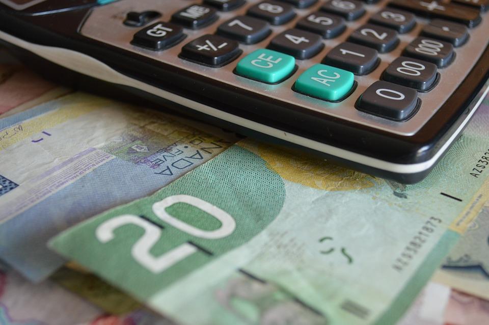 dolary s kalkulačkou