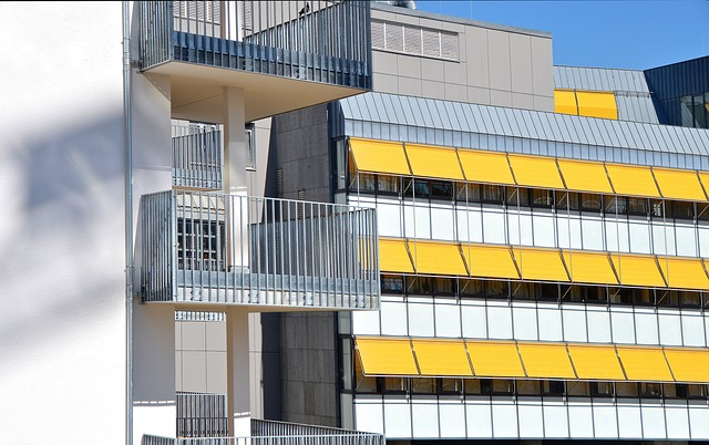 markýzy nad balkony